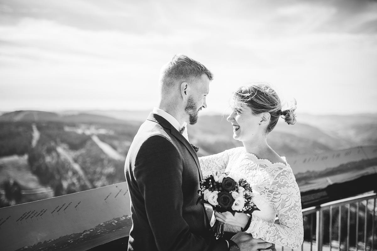 Hochzeitsfotograf Dominik Sackmann - lichtwerk Foto Video Grafik - Freiburg, Kirchzarten, Dreisamtal - Hochzeit Feldberg Lächeln